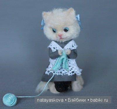 Миниатюра Соблазн и фарфоровая шарнирная кукла Лизка