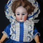 Маленькая дюймовочка - антикварная куколка немецкой компании Simon & Halbig 1078