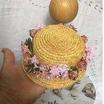Небольшая шляпка из итальянской соломки для винтажных или антикварных кукол