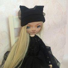 Кукла Моника.