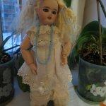 Новогодний подарок - антикварная куколка