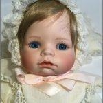 Фарфоровая девочка  Carolin от Ashton-Drake Gallery (Theo Menzenbach)