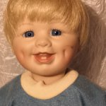 Мальчик с ямочками на щечках из коллекции Ashton Drake 1992 год.