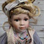 Большая фарфоровая кукла из Германии