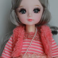 Шарнирная куколка в одежде.Срочная цена 2500р.с доставкой!