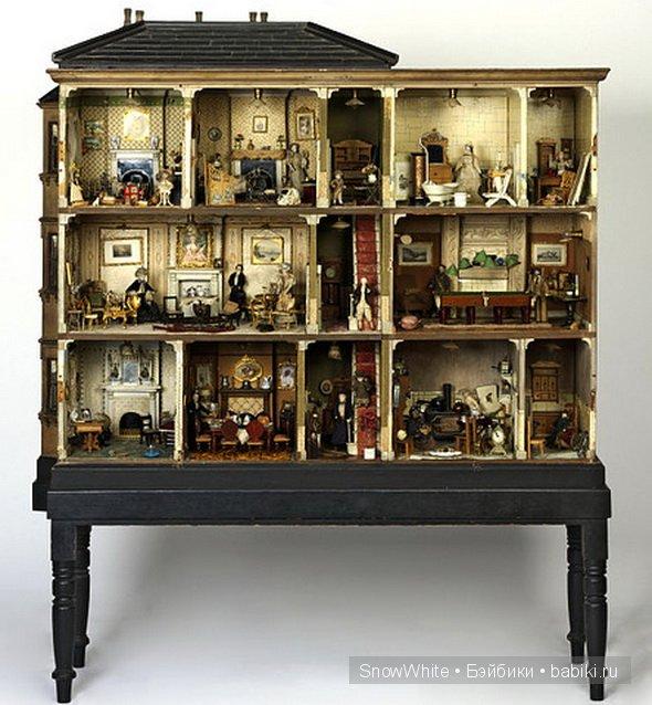 Кукольный дом Эми Майлз