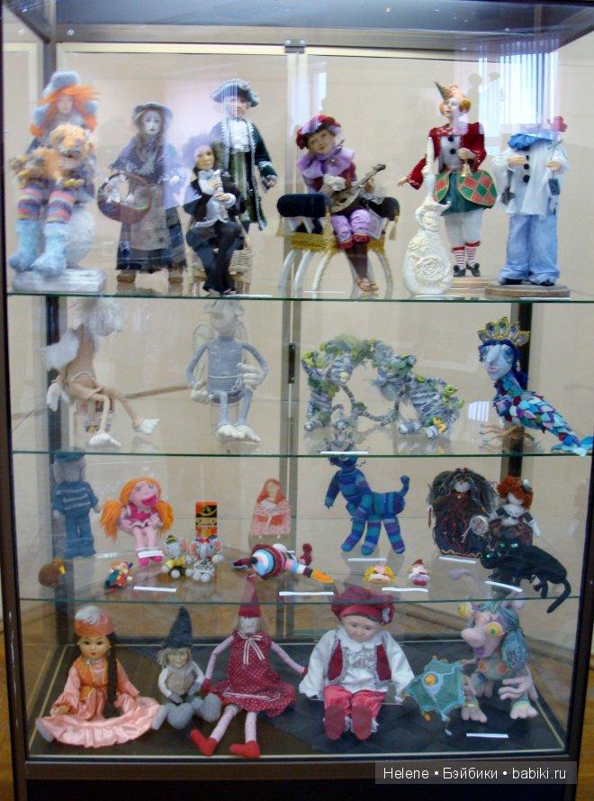 Выставка кукол Параллельный мир. Коллекция кукол актёра и художника Алексея Макарова в Мурманске