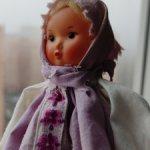 Интересная маленькая куколка