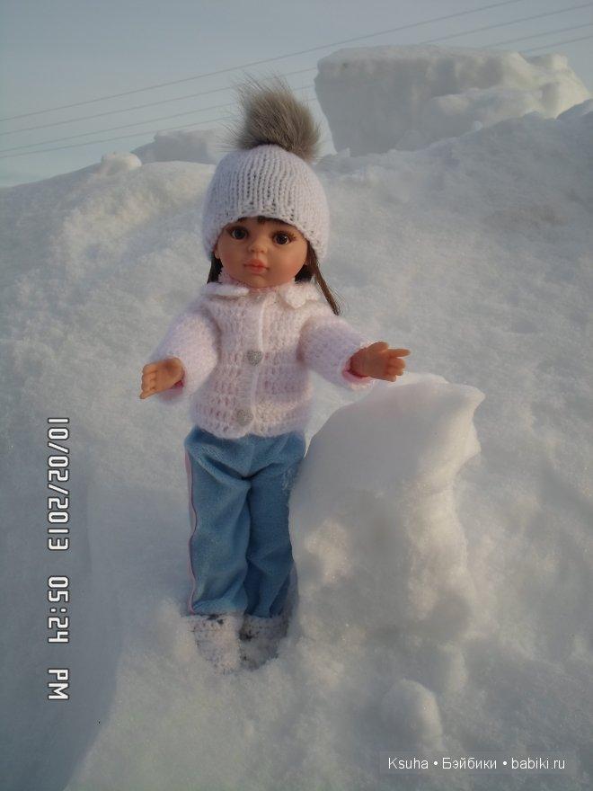 Поли гуляет. Кукла Паола Рейна