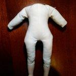 Тело с ножками для фарфоровой куклы.