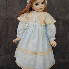 Платье  и боннет для куклы 60 см.