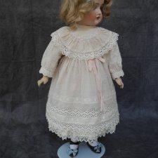 Платье из батиста для куклы 48 см
