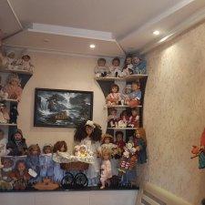 Мое решение в  размещении коллекционных кукол или про то, как катострофически не хватает места