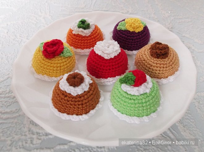 пирожные крючком