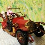 Автомобиль для кукол 1:12