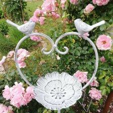 Купальня  - поилка для птиц  - изюминка сада