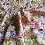 Метр винтажного шелка из натуральной вискозы, 50-е годы, для кукольных нарядов