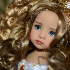 Яркое бело-золотое праздничное свадебное платье для кукол Little Darling