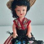 Миниатюрная ярмарочная кукла,всего 9 см