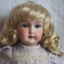 Парик для маленькой  куклы