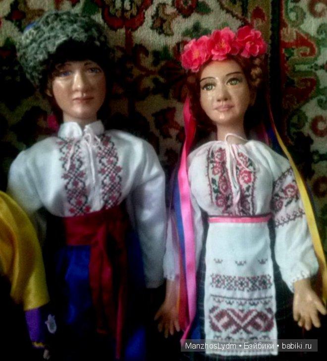 Пара в украинских костюмах. 65 см.Автор Манжос Л. И
