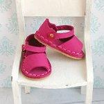Обувь для куклы Paola Reina, босоножки кожаные цвета фуксии с открытым носиком