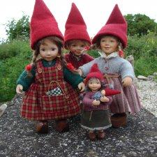 Гномики в красных колпачках от Birgitte Frigast