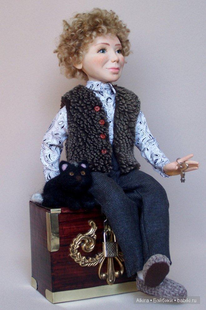 """""""Домовенок Веня"""" выполнен из ливингдолла, размер-35 см, волосы-мохер, кот свалян из мохера."""