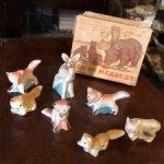 Набор советских бисквитных зверушек в коробочкн