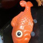 Гигантская рыба, дутый пластик