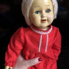 Прессопилочная кукла в красном платье