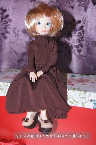 блондинка.. в платье Ами