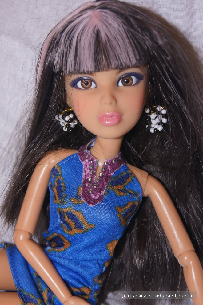 Джулия от фирмы Spin Master. Кукла Liv