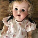 нежное платье для антикварного малыша