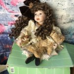 Фарфоровая кукла  RF-collection, полный аутфит