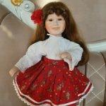 Фарфоровая  кукла с улыбкой