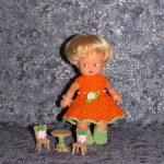 Красивые вязаные наряды на кукол ГДР 17 см.