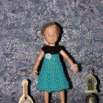 Авторские вязаные платья на кукол Крузелинг — 23 см ( Kruselings — 23 cm )