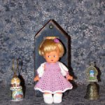 Красивые вязаные наряды на кукол ГДР: косолапки, кисс ми