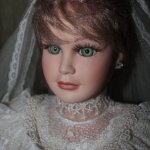 Фарфоровая кукла невеста Глория Alberon