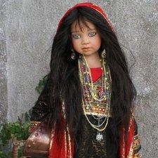 Куклы в национальных костюмах Angela Sutter