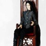 Шикарный готический трон для высоких кукол от 65см.
