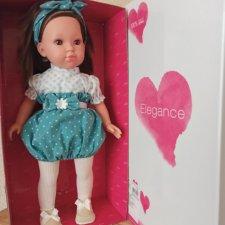 Ну разве можно было оставить ее в магазине? Кукла Carla Verde  от Arias