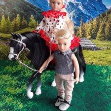 Прогулки на лошадках для маленьких девочек Лори и АГ
