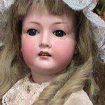 Антикварная кукла Revalo