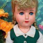 Голубоглазая девочка блондинка  HANS VOLK.