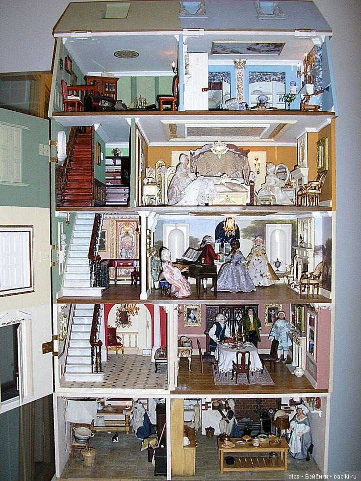уже картинки дома для кукол внутри они блондинки