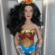 Кукла Tonner Изумительная Диана  13'' Wonder Woman новая в коробке