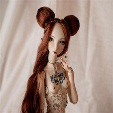 Фарфоровая шарнирная кукла Кассандра
