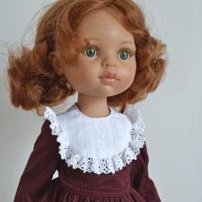 Множество нарядов для очень разных кукол